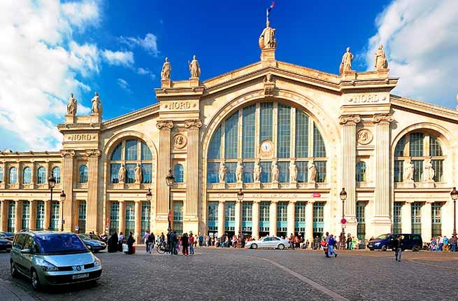 Constructed in the Beaux-Arts style, the impressive Gare du Nord is befitting of the French capital. On the façade, statues personify the major European cities where trains leaving the station end up, with Paris in the center.