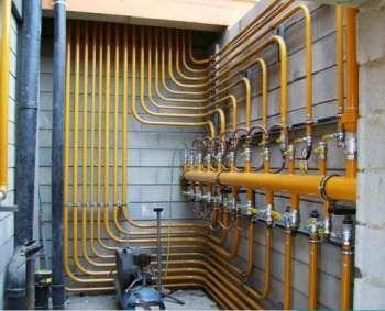 Instalação de tubulação de gás esta sendo procura por empresas, residência, entre outros! O procedimento deve ser feito da forma mais segura, conferindo eficiência ao desempenho de transmissão de gás encanado. O procedimento é feito em residências, condomínios e comércios, instalando-se prumadas e abrigos de medidores e ramal.  A tubulação não será danificada na instalação e nem com o tempo, e a proteção mecânica aplicada elimina riscos elétricos. Veja mais!