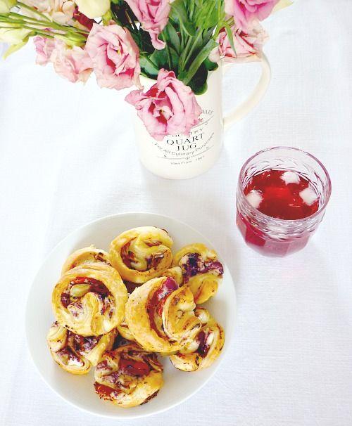 Puff pastry pinwheels Girandole di pasta sfoglia