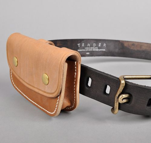 Deedie likes this style too, but bigger of course, size of a pocket book.  Leather belt pouch -- this is an anycop
