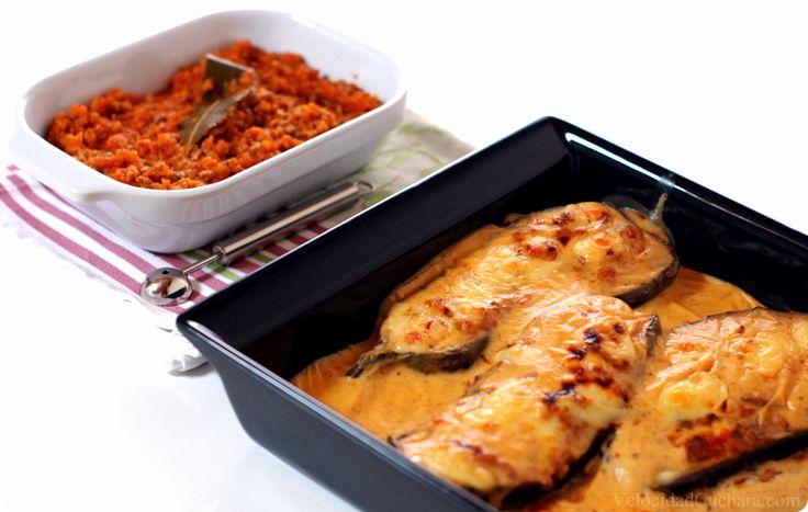 La berenjena es una de esas piezas de verdura que se pueden cocinar de mil formas excepto una… dicen que cocidas no están nada ricas, pero rellenas, guisadas, asadas, en tempura… están deliciosas. Cuando vayáis a comprarla a vuestra frutería … Continuar