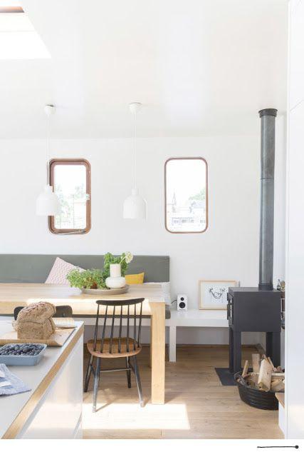 Look inside - a bright houseboat à Zaandam : Visite privée - un bateau-maison lumineuse à Zaandam