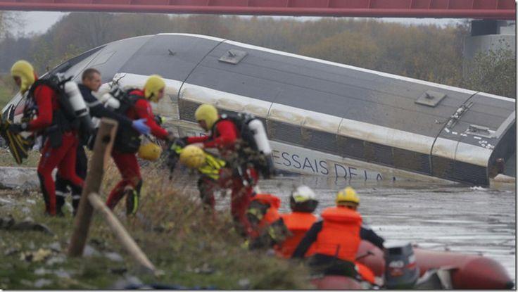 Se descarrila un tren de alta velocidad cerca de París, cinco fallecidos - http://www.leanoticias.com/2015/11/14/se-descarrila-un-tren-de-alta-velocidad-cerca-de-paris-cinco-fallecidos/