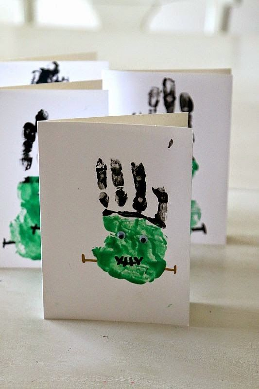 frankenstein hand prints craft easy halloween fun for toddlers and preschoolers make frankenstein handprints with household items for painting diy