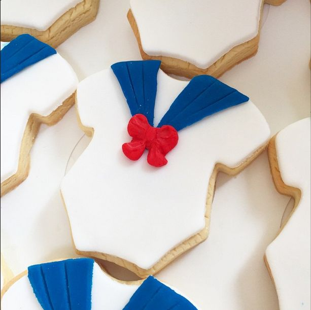 Ahoy it's a boy! Sweet sailor baby shower cookies by The Cupcake Occasion. How adorable are these?