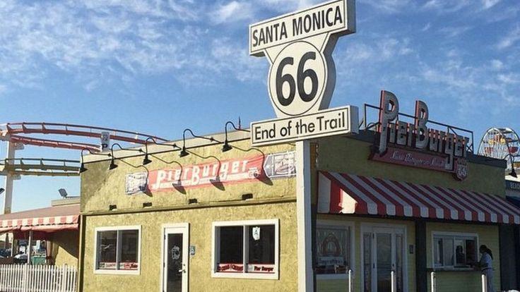 12 Great Beachside Burgers in Los Angeles