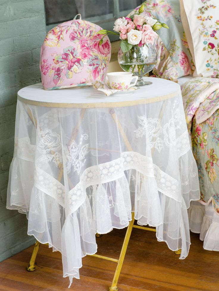 Angelic Embroidered Tablecloth Table Linens Amp Kitchen