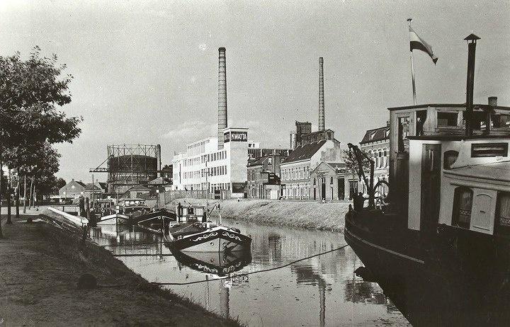 Breda.  Kwattafabriek langs de Nijverheidssingel.  ca.1952.