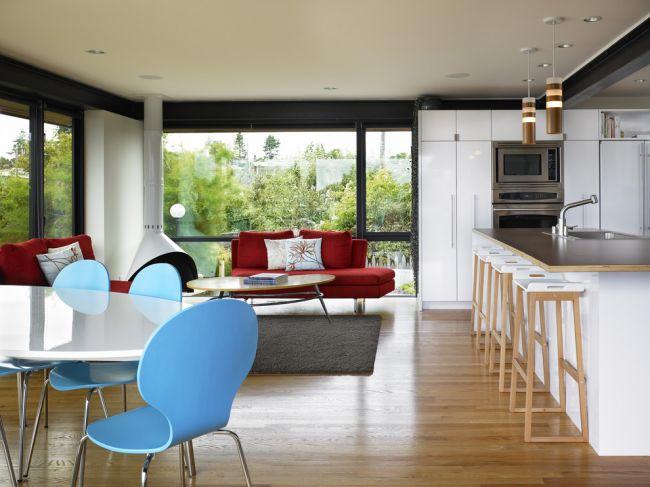Красные диваны добавят свежести вашему интерьеру