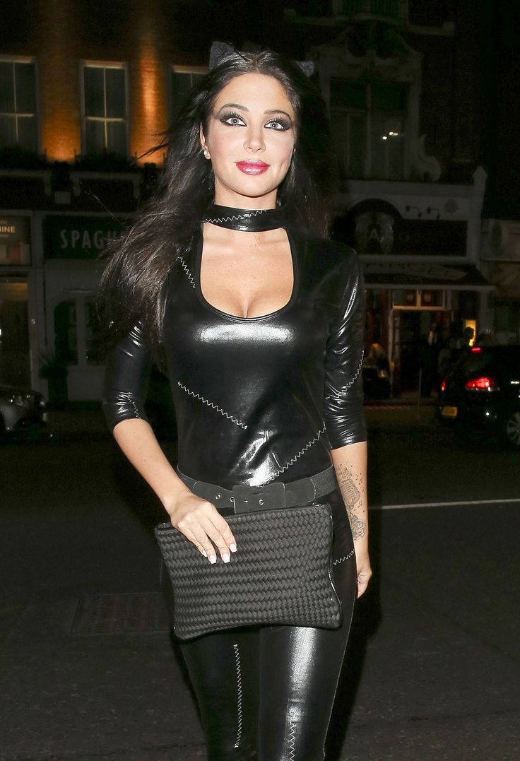Tulisa Contostavlos was spotted at Bodo's Schloss
