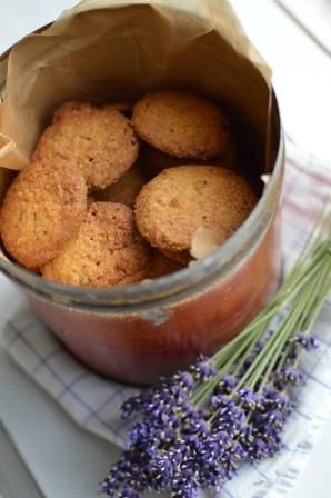 Lavender cookies - Æblegaarden B&B, Langeland, Denmark, www.aeblegaarden.dk Photo by Sannie Terese Burén