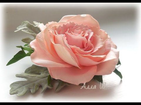 МК Украшения для волос с розой и листьями цинерарии.