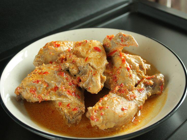 Ayam Masak Rempah dan Santan - Chicken Braised in Herbs and Coconut Milk