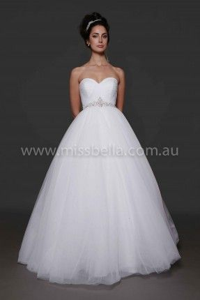 Best 25 debutante dresses ideas on pinterest 15 dresses for Cheap wedding dresses melbourne