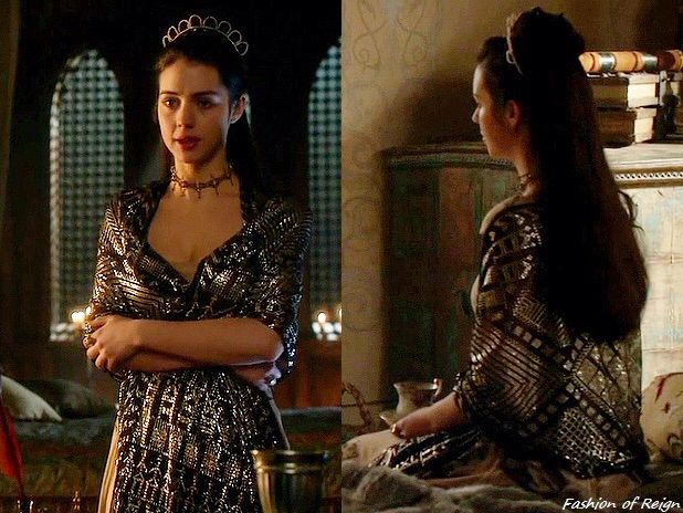 """In the episode 2x19 (""""Abandoned"""") Queen Mary wears a vintage 1920s Art Deco Egyptian Assuit Shawl from Divine Decadence Originals."""