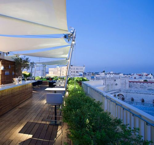 ROOF WITH A VIEW Rooftop Bars Around the World | Erika Brechtel | Brand Stylist