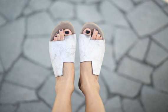 10% Sale, Simone Sandals, Scuffed White Sandals, Leather Sandals, Flat Summer Shoes,  Asymmetric Shoes, Toe Ring Sandals, Handmade Sandals