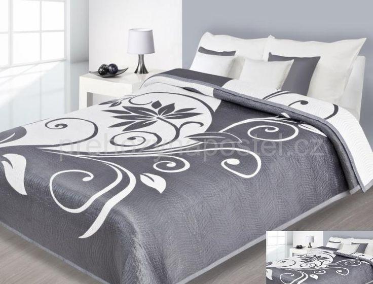 Stříbrno bílý přehoz na postel oboustranný s motivem květin