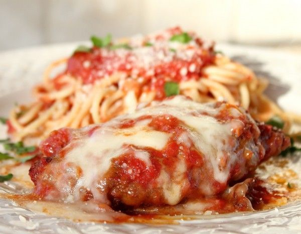 Chicken Parmesan with Spaghetti and Red Marinara Sauce