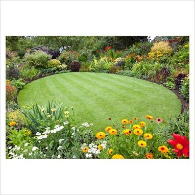 circular lawns google search circular lawnflower bed designsgarden