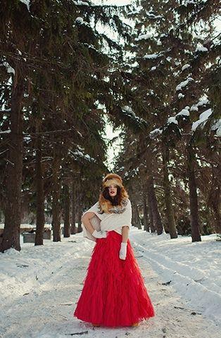Невеста в красном - зимняя свадьба