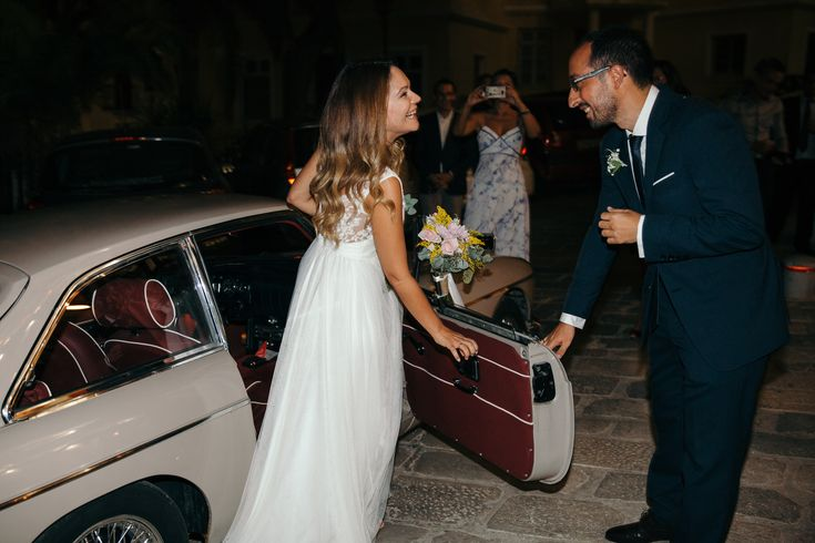lafete, Syros, Cyclades, wedding, vintage car, lovely couple