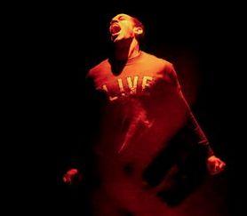 Le boxer Jake LaMotta remonte sur le ring dans Raging bull ce soir au Moulin de #Louviers grâce au Caliband Théâtre.
