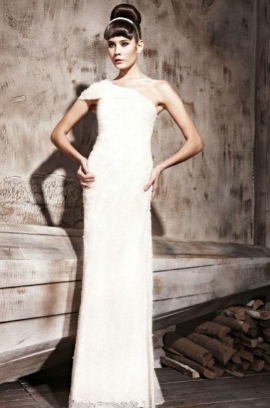 #dress #robedesoiree #whitedress #robeblanche #robelongue #modecollection  http://www.modecollection.fr/robe-blanche-ajustee-asymetrique.html
