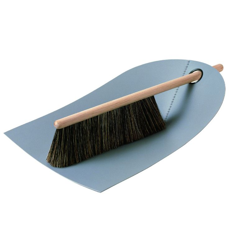 Normann Copenhagen Dustpan & Broom, Light Grey | ACHICA