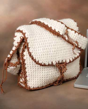 Messenger Laptop Bag 15 Free Crochet & Knitting Bag Patterns - Looooove it.