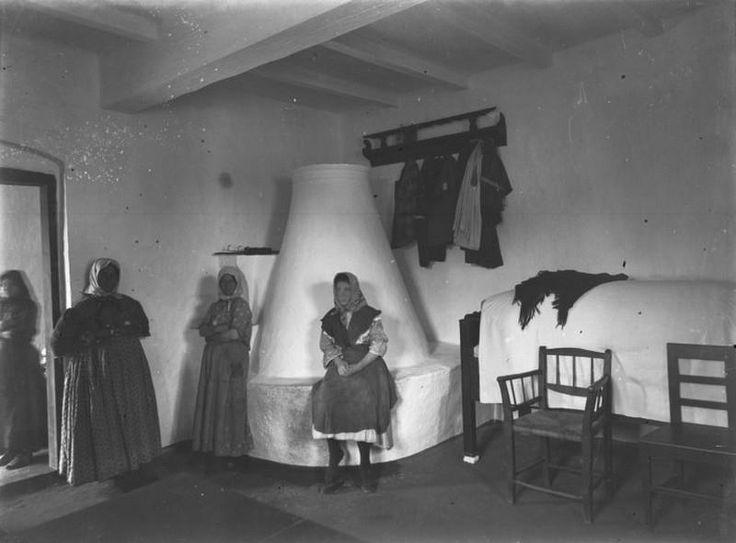 Parasztszoba kemencével, 1900-as évek eleje (fotó Plohn József)