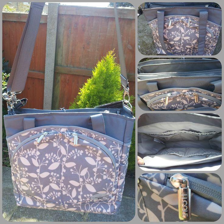 """""""MODE"""" è la borsa da passeggino che sembra una shopping-bag, pensata per le mamme che conducono una vita frenetica ma non vogliono rinunciare alla moda! E' dotata di numerose tasche e comprende fasciatoio da borsa! Disponibile in 3 varianti di colore."""