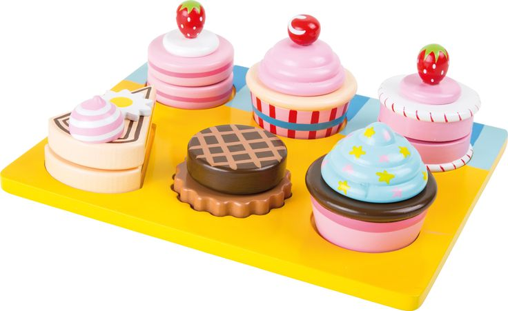 Dřevěné dortíky k nakousnutí.