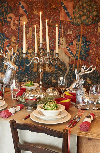 Christmas table setting reminiscent of a French hunting lodge