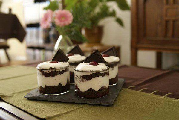verrine for t noire une recette maison facile pour les f tes recette dessert verrine. Black Bedroom Furniture Sets. Home Design Ideas