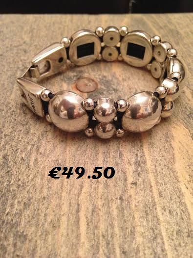 Metal bracelet  €49.50