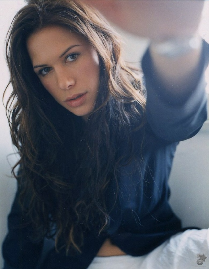 Rhona Mitra.   Beautiful!