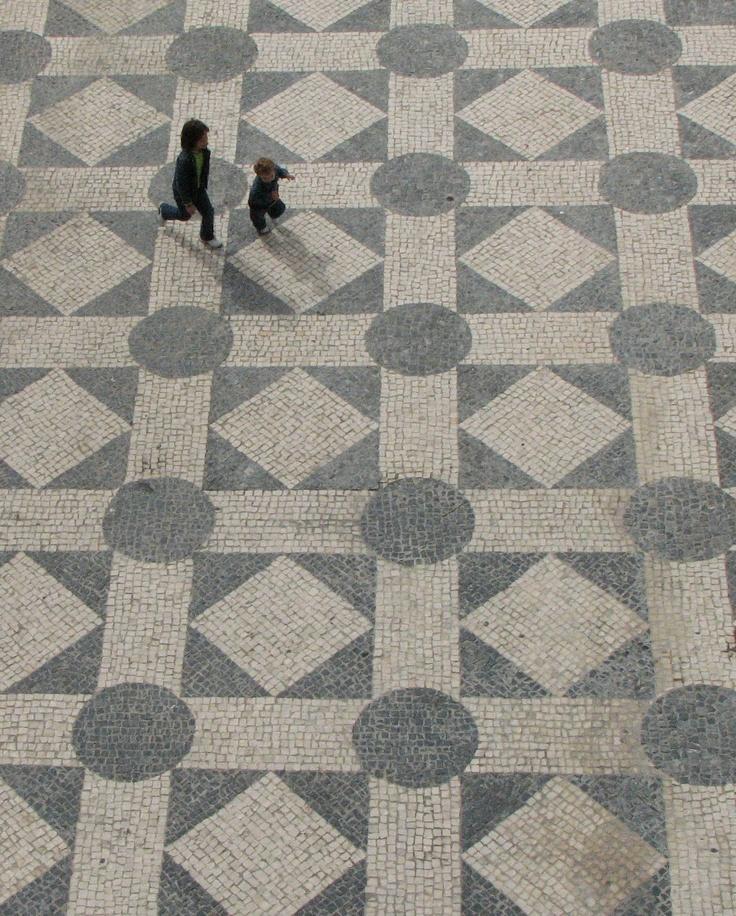 Calçada portuguesa (cobblestone)