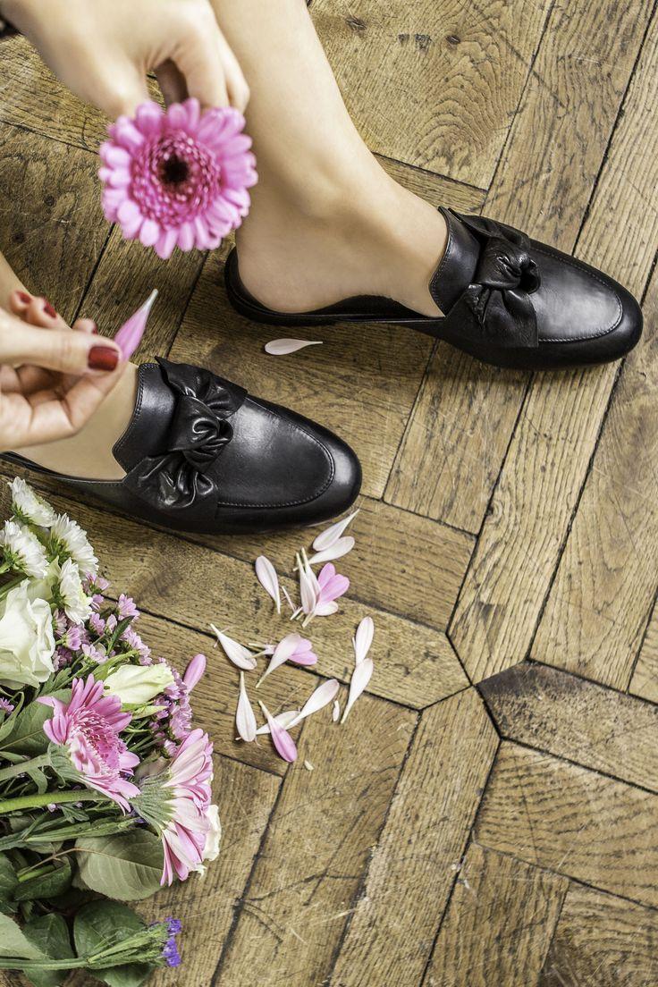 Er liebt mich, er liebt mich nicht, er liebt mich, er liebt mich nicht – egal, unsere Paul Green Schuhe sind immer für Dich da 😊 #paulgreen #derschuhmeineslebens #paulgreenlovesyou
