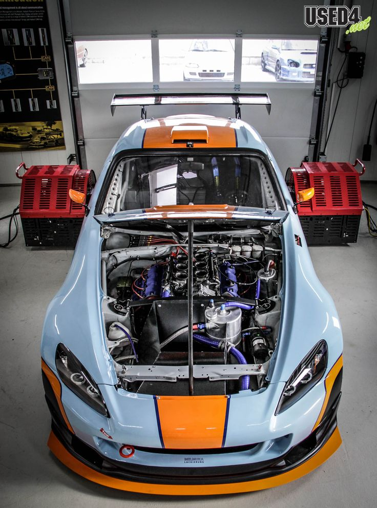 This has to be every Honda S2000 driver's dream, with the time attack machine seen here basically retaining the factory balance, but ...