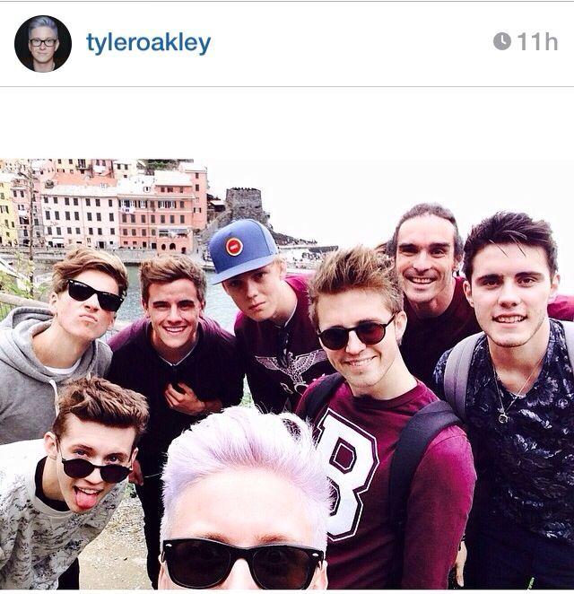 Zoella's friends and boyfriend. Joe Sugg, Troye Sivan, Connor Franta, Tyler Oakley, Caspar Lee, Marcus Butler, Louise, Alfie Deyes (bf)