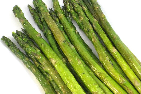Simple and Delicious Roasted Asparagus. A real treat for asparagus ...