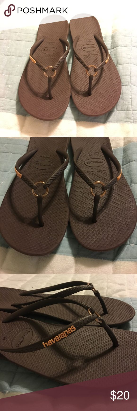 🔥FLASH SALE🔥Havaianas Brown Rose Gold Sandals Havaianas flip-flop sandals. Dark brown in color with a rose gold metal accent in the front worn two times Havaianas Shoes Sandals
