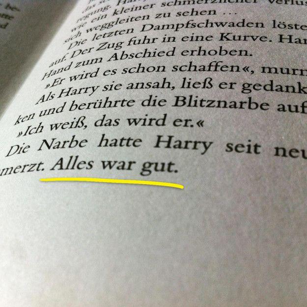 """Für sehr lange Zeit war es J.K. Rowlings Plan, das finale Potter-Buch mit dem Wort """"Narbe"""" aufhören zu lassen. Beim Schreiben entschied sie sich dann aber für """"Alles war Gut""""."""