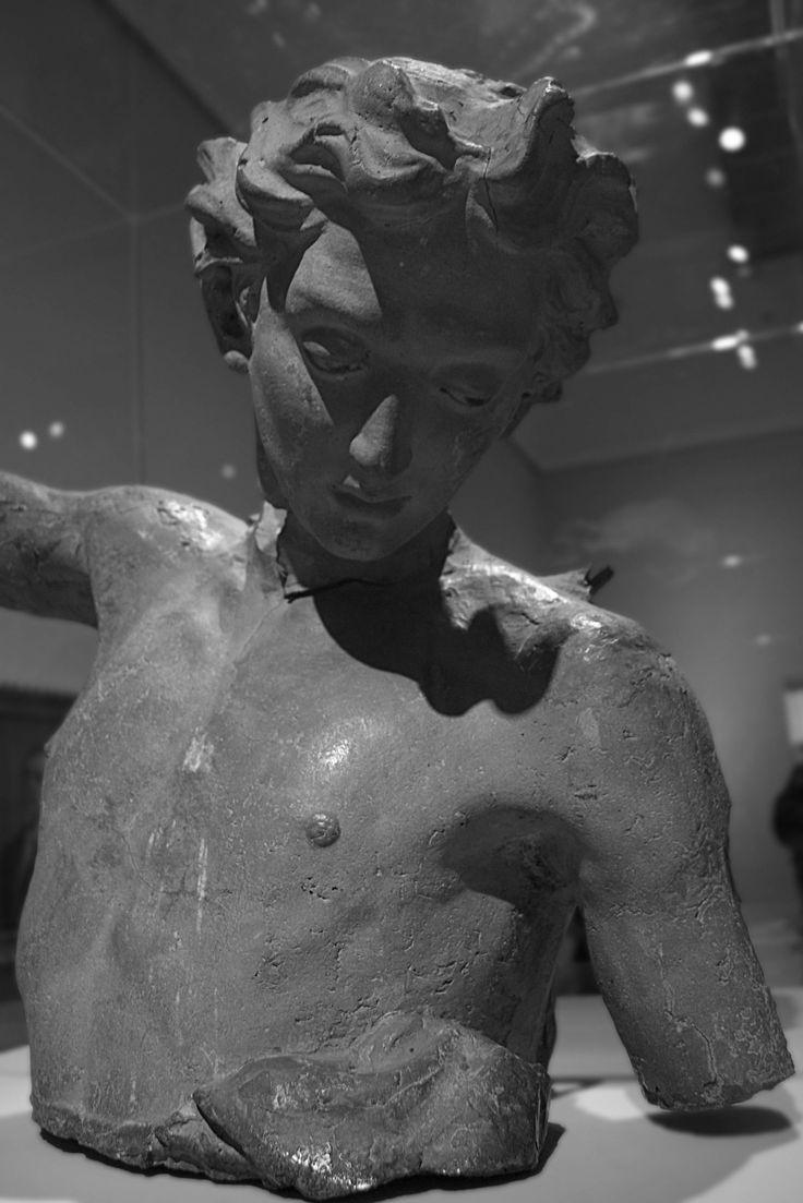 Busto de ángel, Dionisio Cortés Mesa, Museo Nacional, Bogotá Colombia.