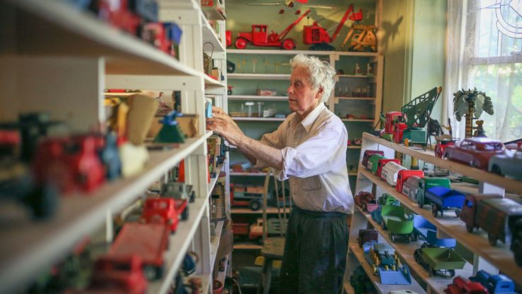 Jack Little from Melbourne has spent the past few decades travelling the world to collect toys. They now fill every room in his house except his bathroom. (Image: ABC News/Margaret Burin)