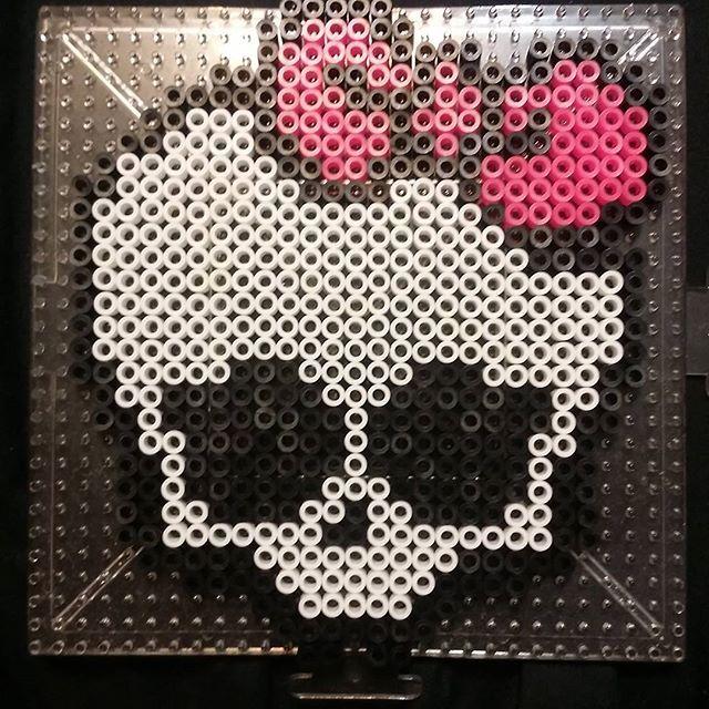Monster HIgh skull perler beads by plurnique
