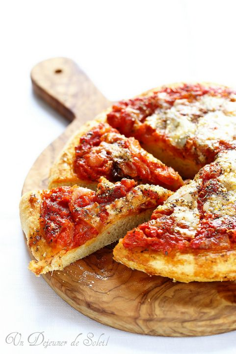 Sfincione, la pizza focaccia sicilienne typique de Palerme - Sicilian pizza ©Edda Onorato