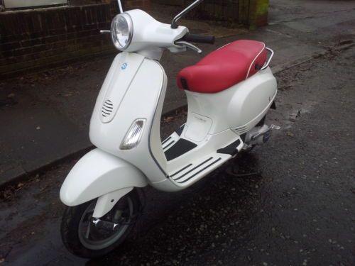Piaggio Vespa LX125 Scooter   eBay