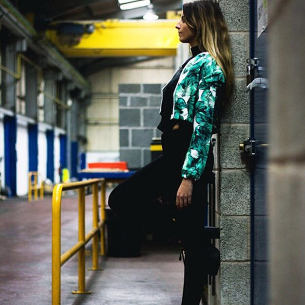 Get the look now at noora.co #streetstyle #fashion #cropjacket #prints #ss15 #mydubai #UAE